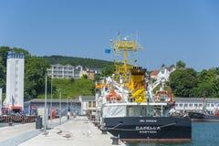 Esamini la capella della nave nella fase di atterraggio nel porto in Sassni immagine stock