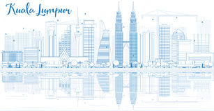 Esboço Kuala Lumpur Skyline com construções azuis e reflexões ilustração royalty free