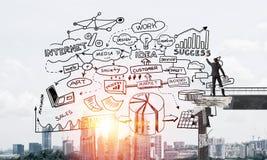 Esboços conceptuais do negócio do desenho do homem de negócios Fotografia de Stock Royalty Free