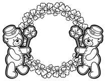 Esboce em volta do quadro com contorno do trevo e urso de peluche quadriculação fotografia de stock
