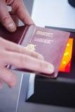 Escáner de la seguridad del pasaporte Fotografía de archivo