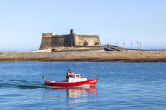 Escúdese Castillo de San Gabriel en Arrecife, Lanzarote, islas Canarias Foto de archivo libre de regalías