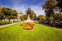 """Escúdese el  del """"Burggarten†del jardín, Viena, Austria imágenes de archivo libres de regalías"""