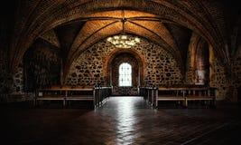 Escúdese el sitio, interior medieval, pasillo gótico Foto de archivo