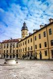 Escúdese en Bielorrusia, señales en Bielorrusia, castillo de Nesvizh, viaje Imagenes de archivo