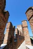 Escúdese la fortaleza (Castelvecchio) en Verona, Italia septentrional Foto de archivo