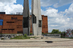 ESC欧洲团结中心和纪念碑对下落的造船厂工作者1970年,格但斯克,波兰 库存照片