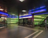 Esca dal passaggio di ShopVille a Zurigo allo stre di Bahnhofstrasse Immagini Stock Libere da Diritti
