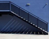 Escada azul exterior Fotos de Stock Royalty Free