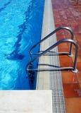Escada da piscina Foto de Stock Royalty Free