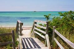 Escada de madeira à praia Foto de Stock