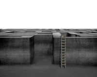 Escada de madeira com labirinto 3D concreto Fotografia de Stock Royalty Free