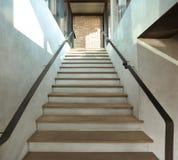 Escada de madeira no estilo do sótão Fotografia de Stock