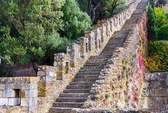 Escada no castelo de St George, Lisboa, Portugal Fotos de Stock Royalty Free