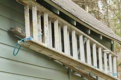 Escada pendurada em uma garagem Imagens de Stock Royalty Free