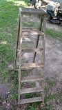 Escada portátil de madeira Fotografia de Stock