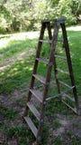 Escada portátil de madeira Imagens de Stock
