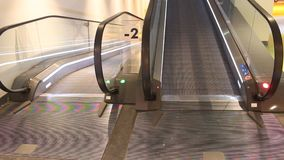 Escada rolante video estoque