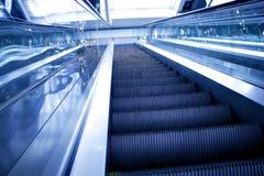 Escada rolante abstrata do movimento Imagens de Stock