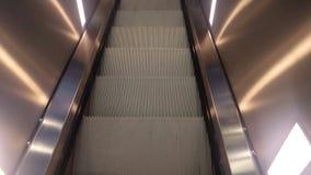 Escada rolante da vista superior video estoque