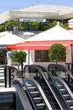 Escada rolante e edifícios no centro de negócios em Spain Fotos de Stock Royalty Free