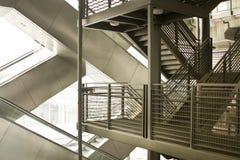 Escada rolante e escadas modernas Fotografia de Stock