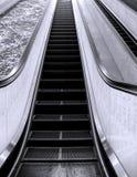 Escada rolante longa Fotografia de Stock Royalty Free