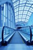 Escada rolante movente fotografia de stock royalty free