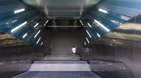 Escada rolante na estação imagem de stock royalty free