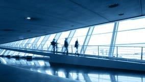 Escada rolante no aeroporto Imagens de Stock