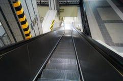 Escada rolante no metro Imagens de Stock Royalty Free
