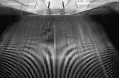 Escada rolante rápida Fotografia de Stock Royalty Free