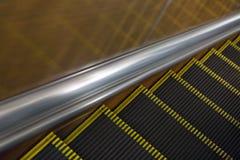 Escada rolante subterrânea. Foto de Stock