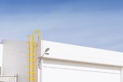 A escadaria amarela para a construção Foto de Stock Royalty Free