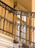 Escadaria amarela velha fotos de stock