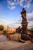 A escadaria ao castelo de Praga no verão em Praga, República Checa fotografia de stock royalty free