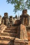 Escadaria ao Mimalaung Kyaung em Bagan Foto de Stock Royalty Free