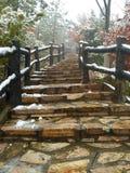 Escadaria ao pico de montanha imagem de stock royalty free