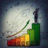 Escadaria ao sucesso, conceito profissional do crescimento da partida e das realiza??es e um lan?amento do foguete para decolar fotos de stock royalty free