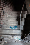 Escadaria assustador no armazém abandonado Imagem de Stock Royalty Free