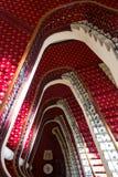 Escadaria clássica grande no hotel fotos de stock royalty free