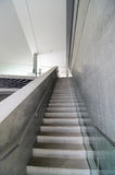 Escadaria concreta desencapada fotografia de stock