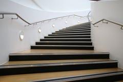 Escadaria de descida/de ascensão Imagens de Stock