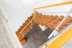 A escadaria de madeira Imagens de Stock
