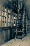 Escadaria de madeira do vintage foto de stock royalty free