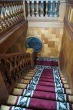 Escadaria de madeira maciça fotos de stock