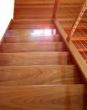Escadaria de madeira moderna contemporânea Imagem de Stock Royalty Free
