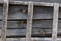 Escadaria de madeira velha no fundo de madeira Imagem de Stock Royalty Free