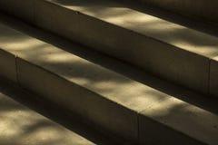 Escadaria de pedra natural em uma construção histórica fotos de stock royalty free