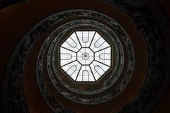 A escadaria espiral dobro monumental Imagem de Stock